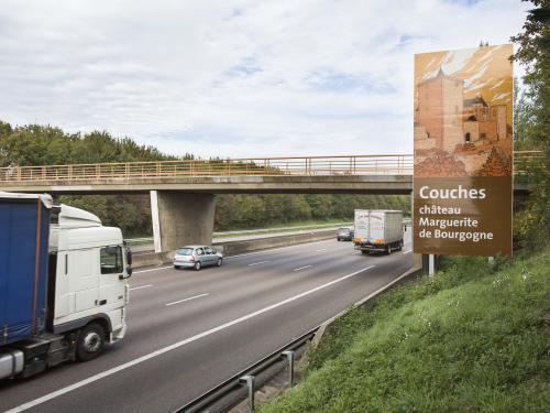 Exemple de panneau marron  Crédit photographique: APRR/Leimdorfer Gilles