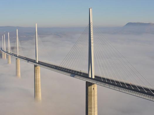 Viaduc de Millau    Crédit photographique: Eiffage/CEVM Eiffage/Foster&Partners/Daniel Jamme