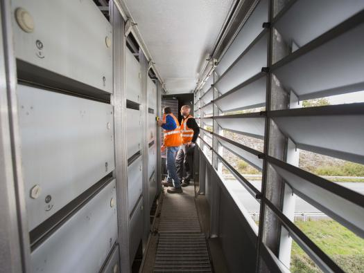 Métier de la maintenance pour garantir le fonctionnement de tous les équipements du réseau    Crédit photographique: APRR/Leimdorfer Gilles