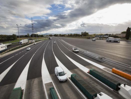 Plateforme de la barrière de péage de Clermont (A71)   Crédit photographique:  APRR/Leimdorfer Gilles